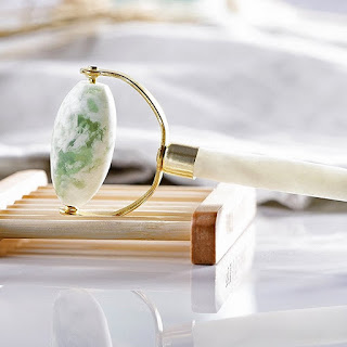 http://www.krisztinaclifton.com/2018/05/the-prettiest-jade-facial-rollers.html