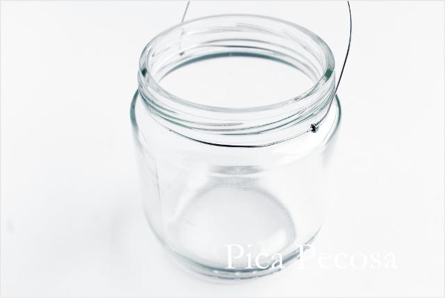 tutorial-hacer-regalo-companeros-colegio-cumpleanos-planta-en-bote-cristal-con-asa-alambre-diy-paso-cuatro