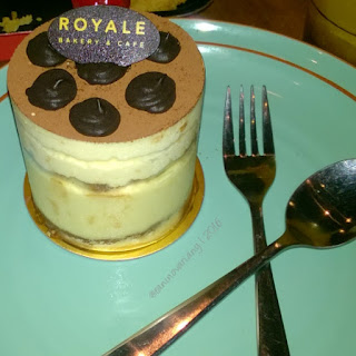 Royale cafe