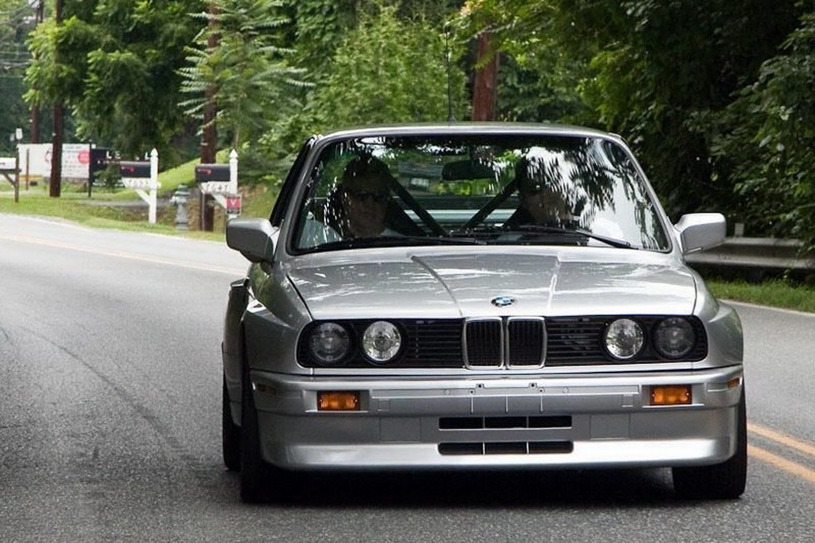 1988 bmw m3 frankenstein with stroked m5 v10 for how much carscoops. Black Bedroom Furniture Sets. Home Design Ideas