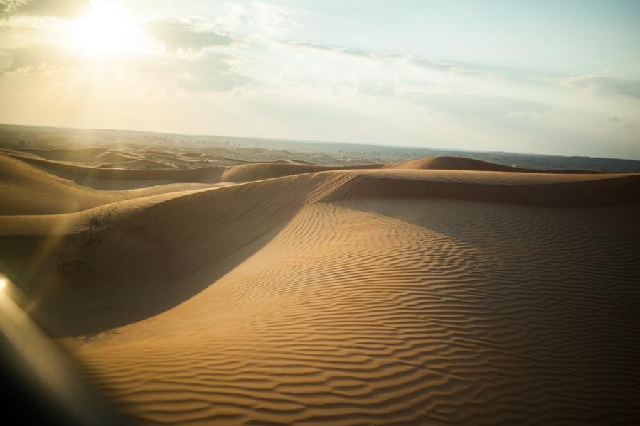 travelblog mbf_dubai desert sand gold