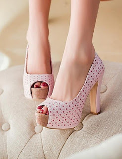 Model Sepatu Wanita Branded Murah Terbaru