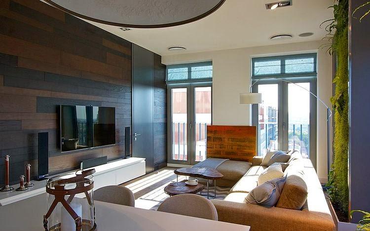 Jardín vertical en el interior de un apartamento / SVOYA Studio ...