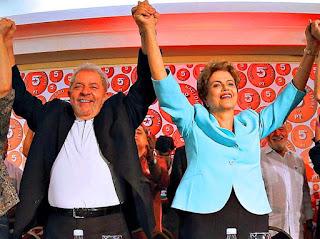 """La expectativa es que Rousseff, que está acusada de haber cometido un """"delito de responsabilidad"""" por haber maquillado las cuentas públicas y haber ocultado el déficit en el presupuesto, quede hoy apartada de la presidencia de Brasil, después de una sesión que será histórica y que está previsto que comience a partir de las nueve de la mañana y que podría durar más de 20 horas."""