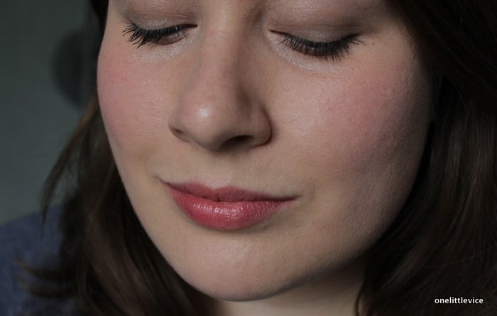 one little vice beauty blog: bagsy makeup on feel unique