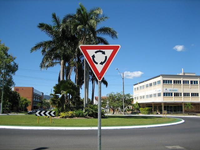 roundabout-australia オーストラリアのラウンドアバウト
