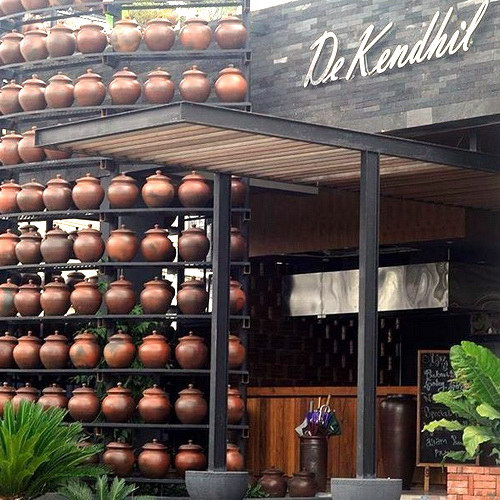 Tinuku De Kendhil Resto build traditional pottery concept implemented in architecture, installation art and tableware