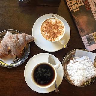 """Мы завтракали в """"Caffè Cavour"""" в Римини"""