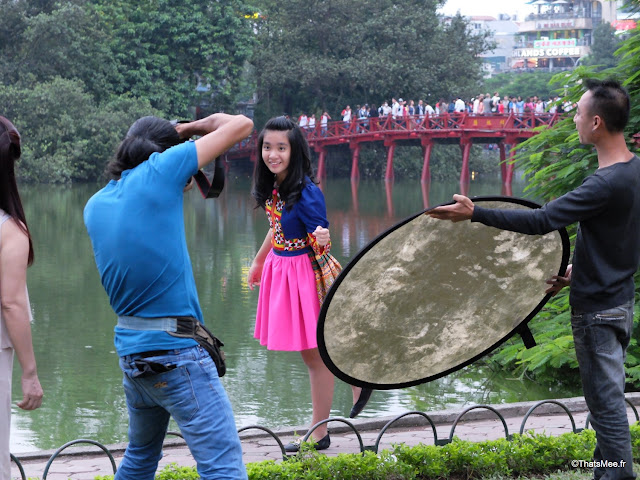 hanoi seance photo temple pont rouge