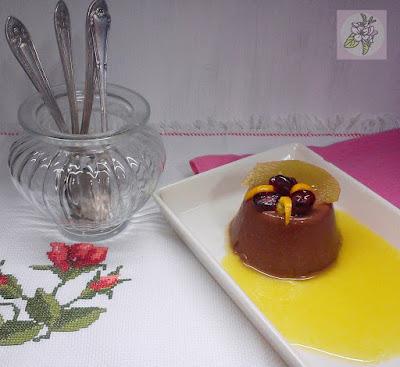 Panacota Vegana de Chocolate, sobre Crema de Mandarina.