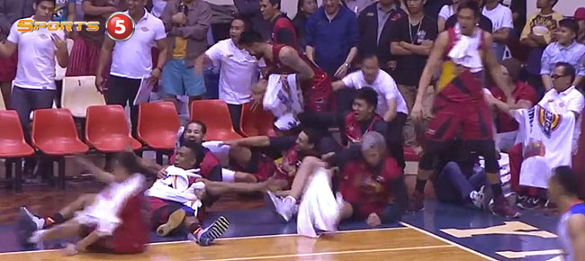 San Miguel Beermen's EPIC Bench Celebration (VIDEO)