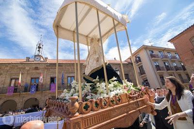 https://interbenavente.es/not/21178/con-la-caida-del-manto-ante-el-resucitado-finaliza-la-semana-santa-de-benavente/