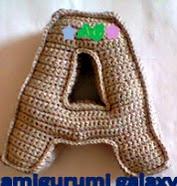http://amigurumigalaxy.blogspot.mx/2013/06/alfabeto-amigurumi.html