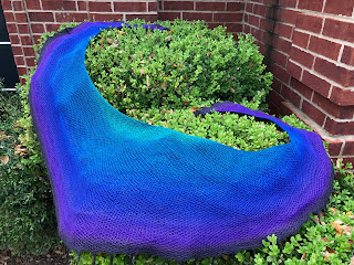 https://www.ravelry.com/patterns/library/burning-flame-shawl