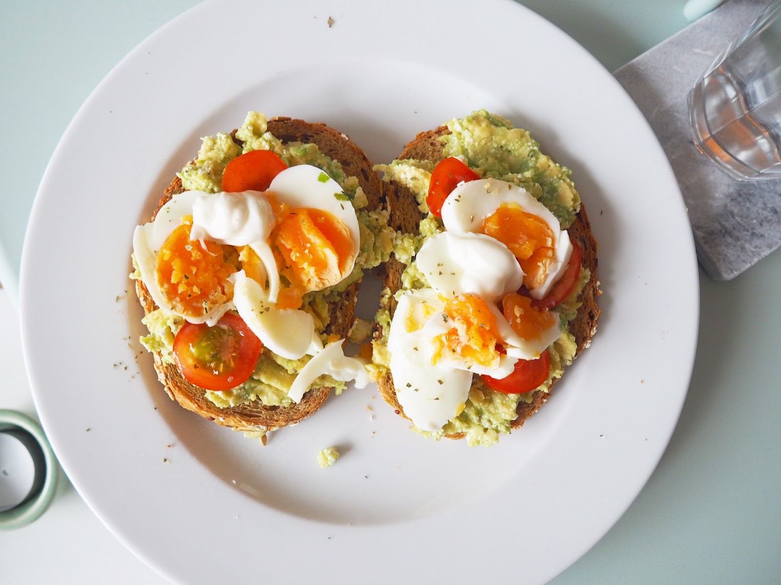 Broodje Avocado Ei Healthy Living In Heels Avocado Feta Toast