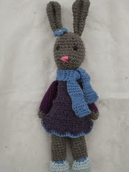 http://www.ravelry.com/patterns/library/yarnigans-amigurumi-bunny