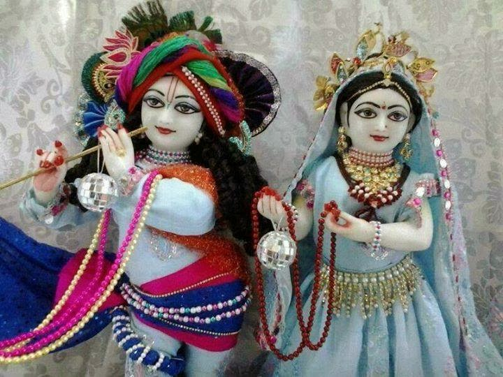 Cute Kanha Ji: Lord Krishna And Radha Cute Couple In The World
