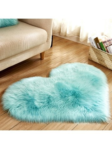 Simple Love Shape Wool-like Carpet