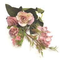 https://www.essy-floresy.pl/pl/p/Roza-pudrowy-roz-zestaw-kwiatow-tekstylnych-z-liscmi-/3890