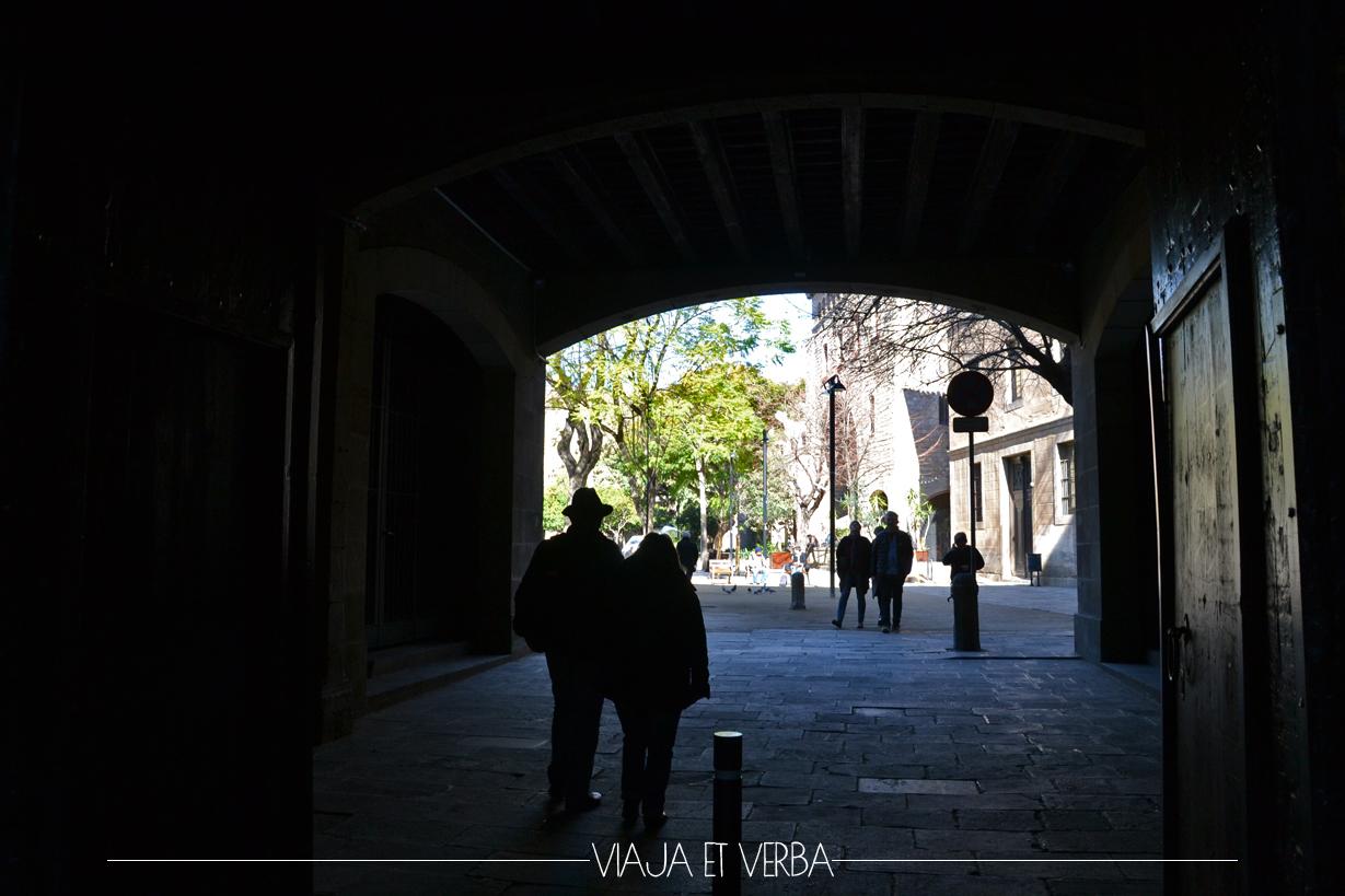 Situetas enBarcelona. Viajaetverba