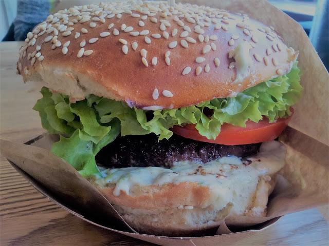 Ťažká Amerika :) Burger je láska!