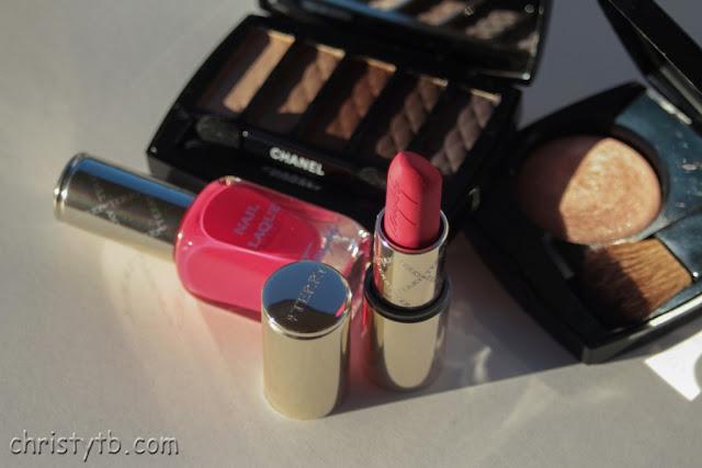 Новогодний макияж с Chanel Ombres Matelassées de Chanel eyeshadow palette Charming и другие варианты
