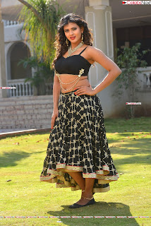 Hebah Patel in Spicy Black Choli and Ghagra HD Pics  006.jpg