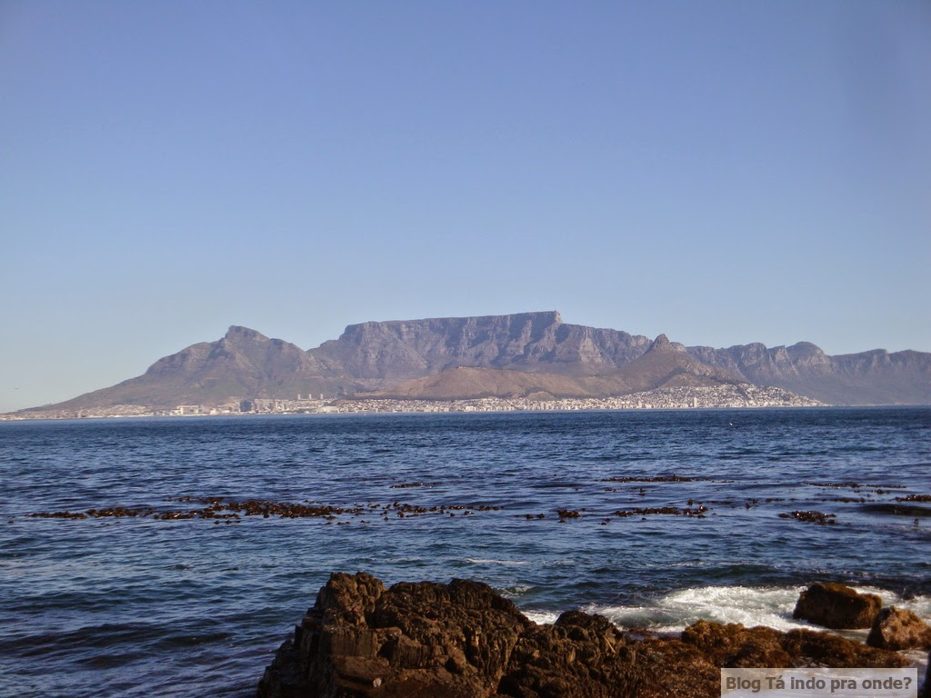 Table Mountain e Cidade do Cabo vista da Robben Island