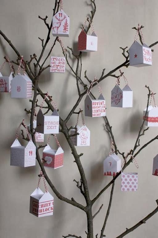 kalendarz adwentowy pudełka, na drzewie