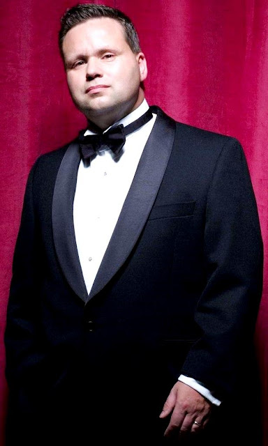 Foto de Paul Potts muy elegante