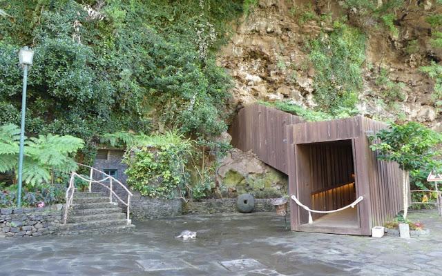 Grutas e Centro do Vulcanismo; Vulkangrotten auf Madeira