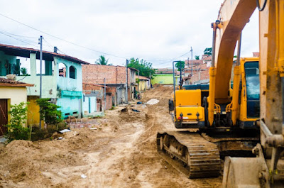 Alagoinhas: Obras de macrodrenagem nas Poligonais avançam para a Rua Conselheiro Dantas
