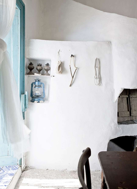 Inspiring interiors with a fresh mediterranean country vibe. Ginostra B&B MareSole