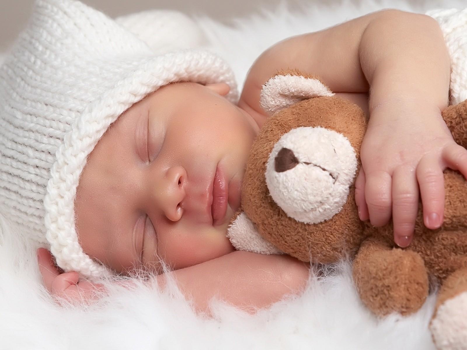 Cara Memilih Baby Cologne Yang Tepat Untuk Bayi