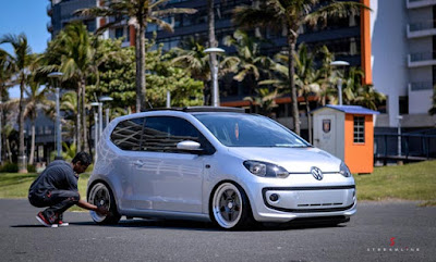 VW Up Rebaixado Fotos