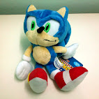 Sonic stuffed toy front