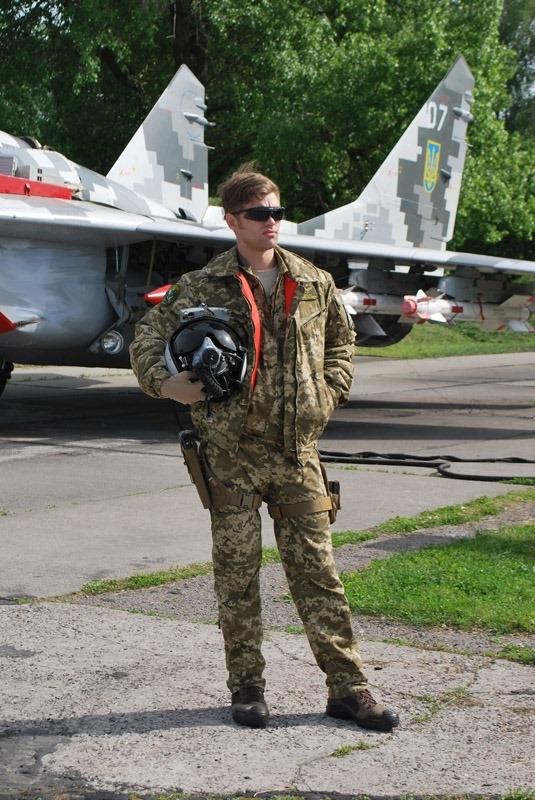 Військові пілоти тестують нове спорядження