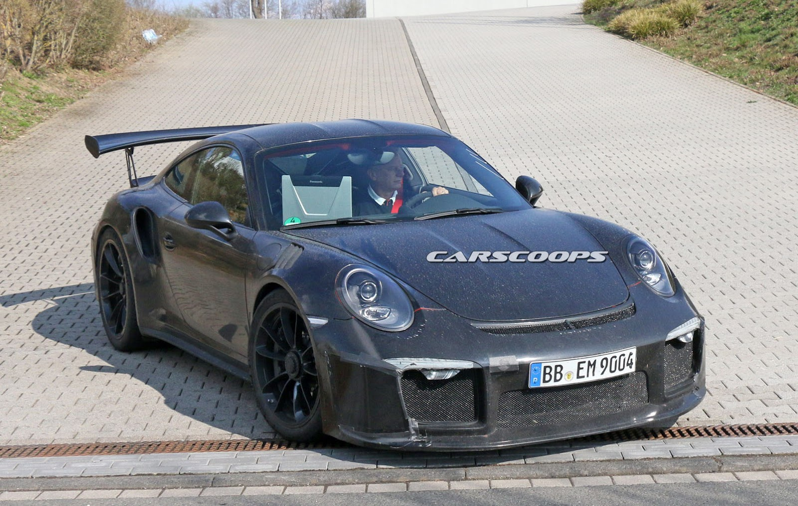 These Are the First Spy Shots with the 2017 Porsche 911 GT3 RS 4.2 ...