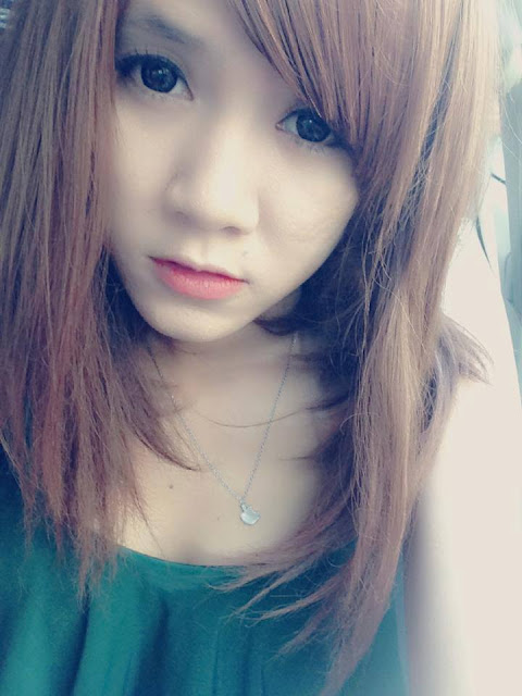 Loạt hình ảnh girl xinh 10x khoe ảnh nóng trên Facebook