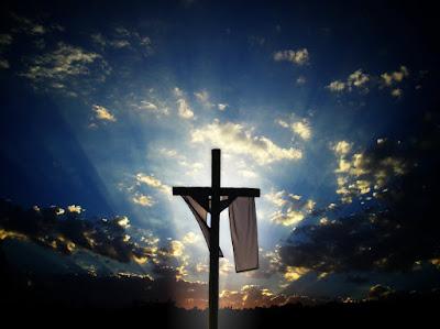 """Ele ressuscitou! Deus e essa """"mania"""" de amar..."""