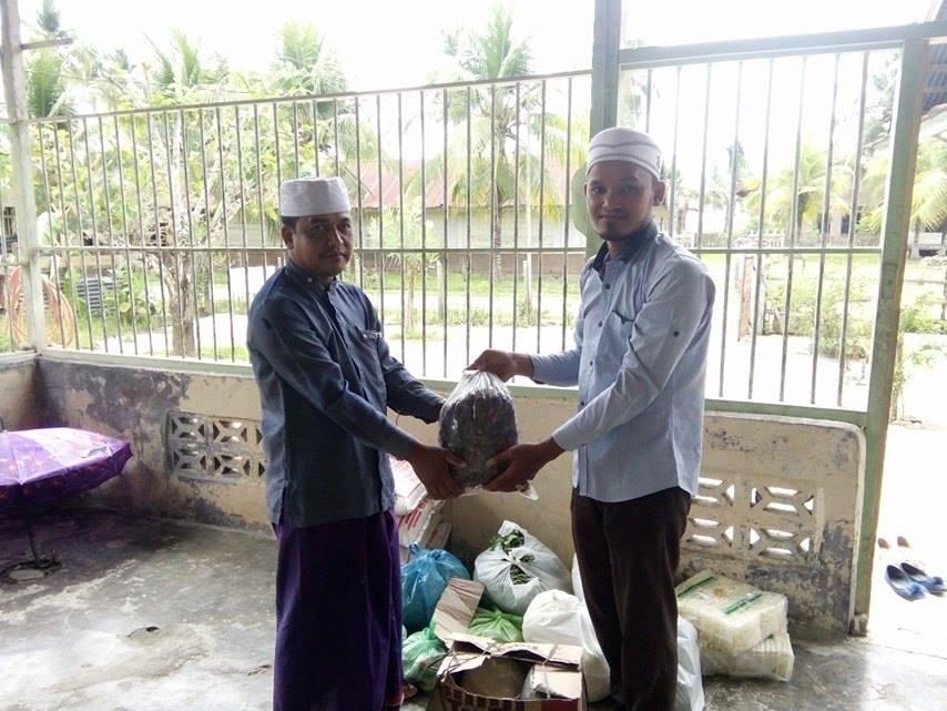 LPDA Kunjungi Jamaah Sulok dan Menyatuni Bahan Sahur & Berbuka Puasa