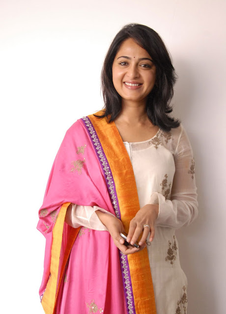 Anushka Shetty in Churidar Suit ~  Exclusive (1).jpg