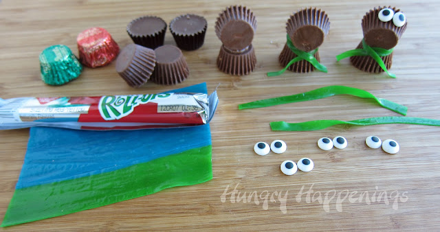 Supplies required to make Rudolf the Peanut Butter Cup Reindeer