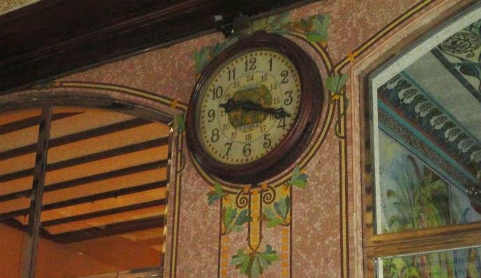 Reloj de la estación del Nord de Valencia