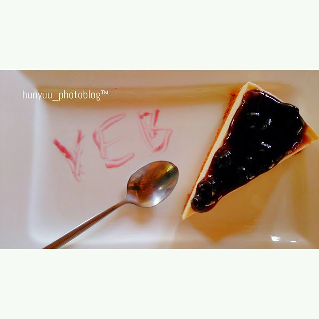 Pleasure PointCafe's blueberry cheese cake