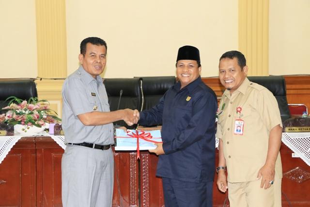 Wako Mukhlis Rahman Sampaikan Nota Keuangan RAPBD Perubahan 2017 ke DPRD