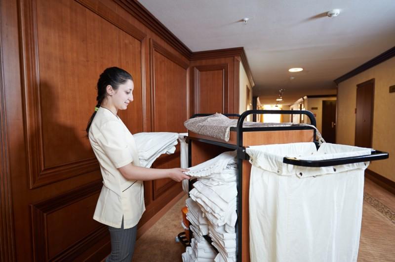 20 vacantes para camareros as de pisos en barcelona for Trabajo de camarera de pisos