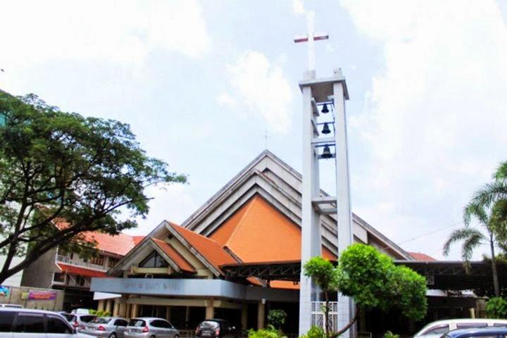 Catatan Kecil Marpheliste Gereja Hati Santa Perawan Maria Tak Bernoda Tangerang