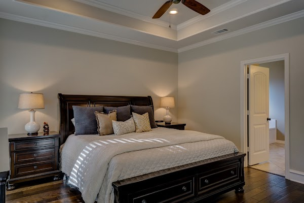 7 Ways to Apply Feng Shui Bedrooms for Quality Rest
