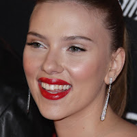 Scarlett johansson ponytail and red hot lips